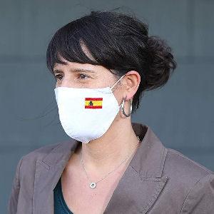 mascarilla blanca con bandera de España